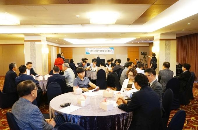 (사)경기인터넷언론인협회 발기인 총회에 참석한 회원사들의 모습