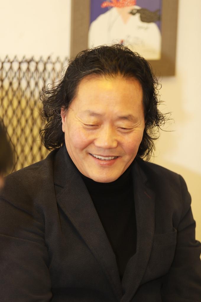 새해 계획과 희망의 메세지를 전하는 박무강 바리톤